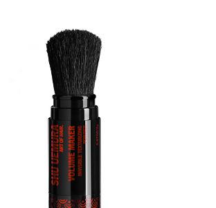 ¿Polvos minerales para dar volumen a tu cabello? La revolución del Volume Maker de Shu Uemura