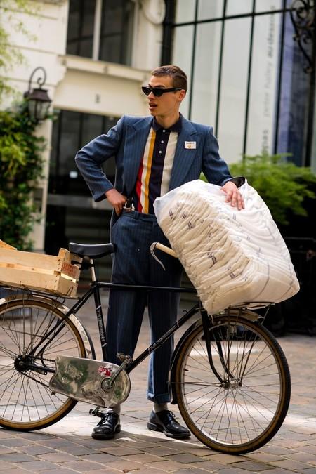 El mejor streetstyle de la semana: las bicicletas son para el verano y estos looks también