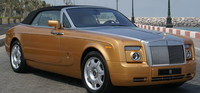 El Rolls-Royce Phantom Drophead Coupé dorado llega a Abu Dhabi
