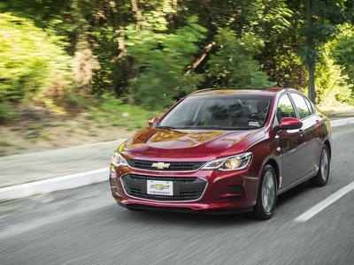 El Chevrolet Cavalier estrena una versión más accesible en México, ahora con caja manual
