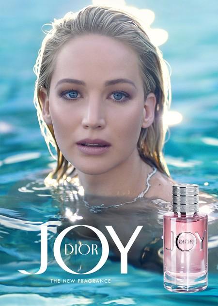 Nos rendimos ante Jennifer Lawrence en la nueva (e impresionante) campaña del perfume Joy by Dior