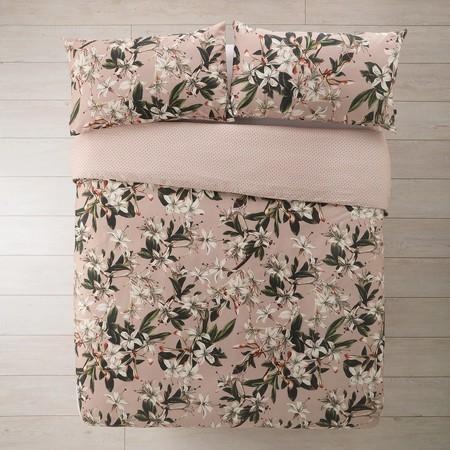 rosa flores