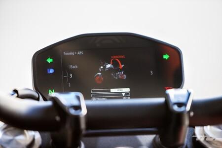 Ducati Monster 2021 001