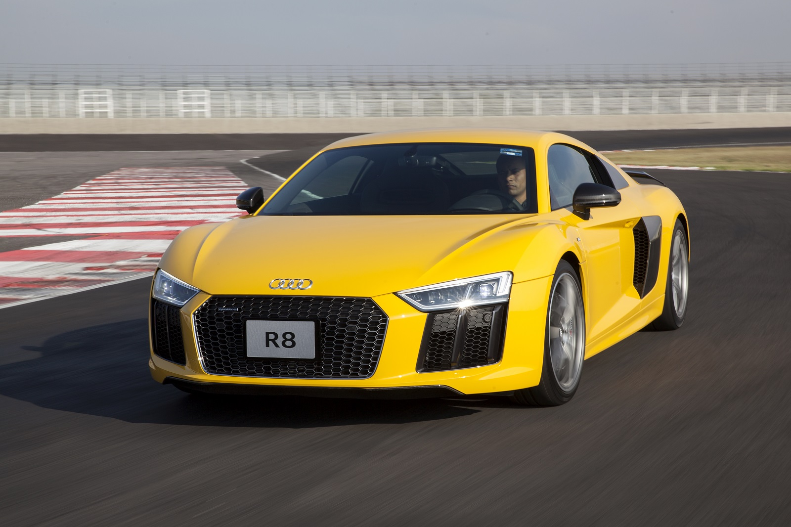 2017 Audi R8 V10 Spyder First Test Look and Listen