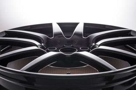 Más leña para el Ford GT en forma de llantas de fibra de carbono