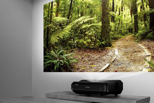 Cinco proyectores de tiro corto para disfrutar del cine a lo grande en salones pequeños