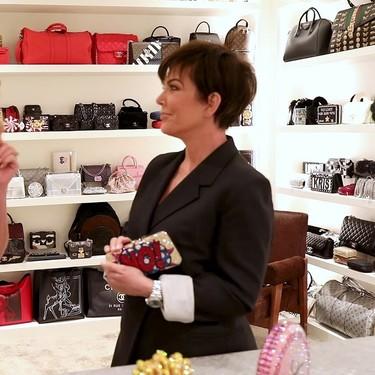 Parece una tienda de lujo de mil metros, pero es el armario de Kris Jenner