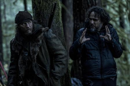 Tom Hardy y Alejandro G. Iñárritu durante el rodaje