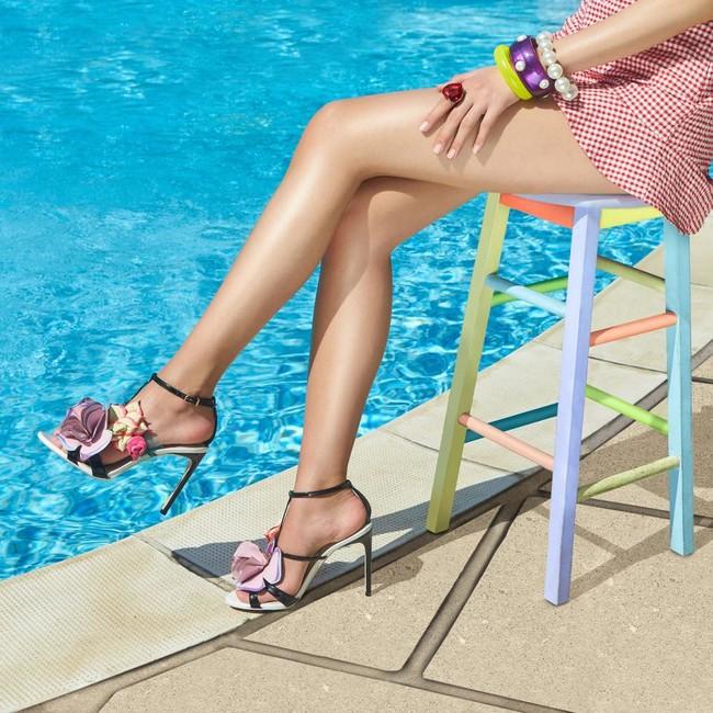 11 sandalias (de lujo) que vas a amar y que aún están de rebajas ... d24fdc97158b