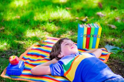 Deberes para el verano: las inspiradoras tareas de un profesor italiano que todos deberíamos hacer