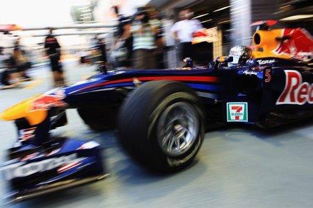 GP de Singapur de Fórmula 1: Sebastian Vettel y Fernando Alonso primero y segundo con una pista aún delicada