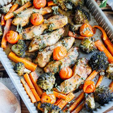 Pollo al horno con verdura y balsámico. Receta fácil y saludable