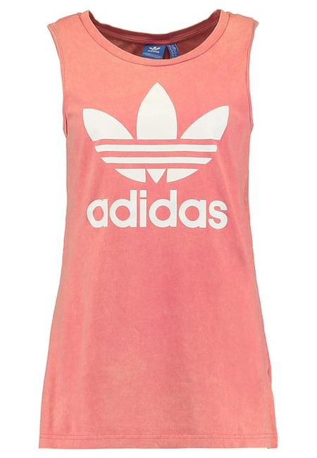 Asos rebaja este top sin mangas rosa de Adidas Originals a 17,49 euros. Gran disponibilidad de tallas
