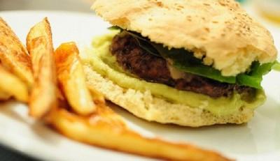 La primera hamburguesa de laboratorio se presentará en Londres en noviembre para ahorrar