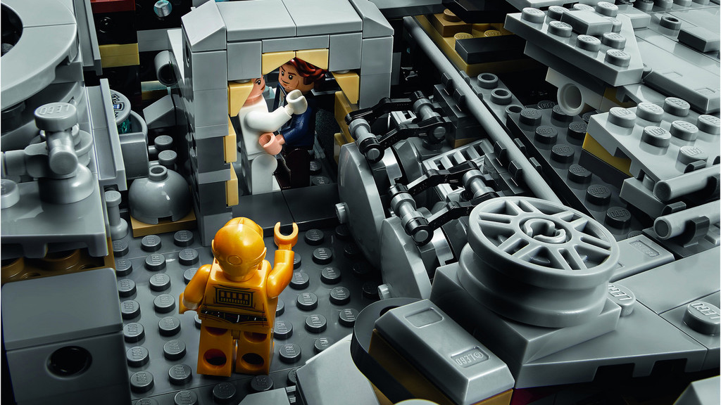 Millennium Falcon Lego 3