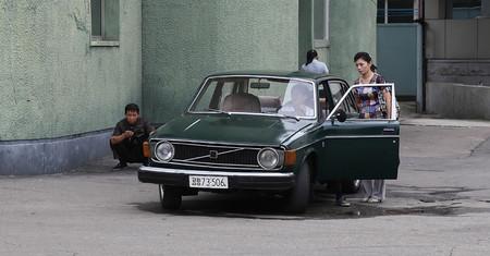 La loca historia de cómo Corea del Norte aún debe 300 millones de dólares a Suecia por unos Volvo