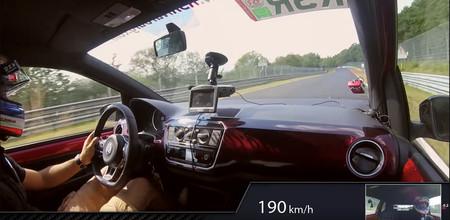 En video: El Nürburgring es para todos y este VW Up GTI lo demuestra