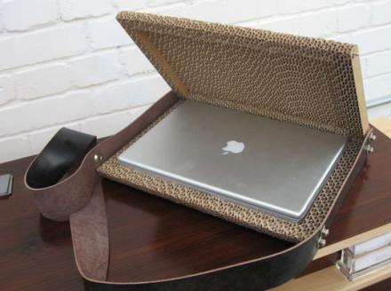 Funda de cartón ondulado para tu portátil