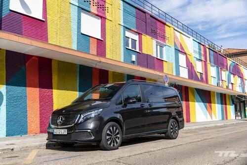 Probamos la Mercedes-Benz EQV: una furgoneta eléctrica de lujo con hasta 482 km de autonomía, desde 79.084 euros