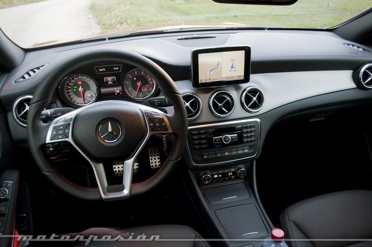 Foto de Mercedes-Benz Clase CLA (presentación) (12/40)
