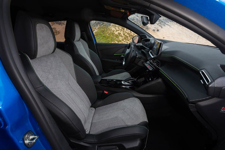 Peugeot e-208 prueba contacto