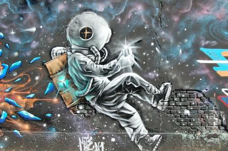 El caso de prohibir a los seres humanos que vayan al espacio: lo que piensan los que creen que no deberíamos de salir del planeta