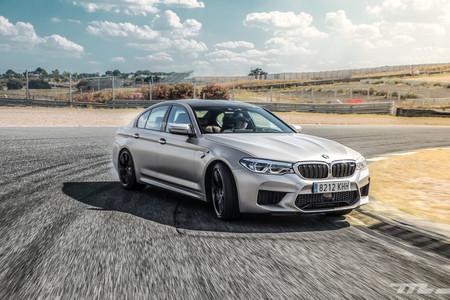 BMW M5 2018 derrapada