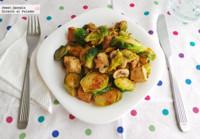 Salteado de tofu con coles de Bruselas y champiñones. Receta