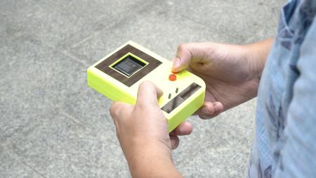 Unos investigadores han creado una Game Boy con placas solares con la idea de olvidar las pilas para siempre