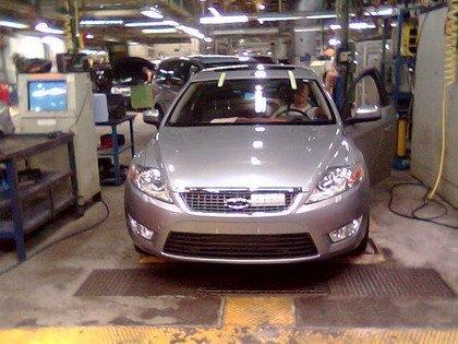 Ford Mondeo 2007 cazado en la fábrica