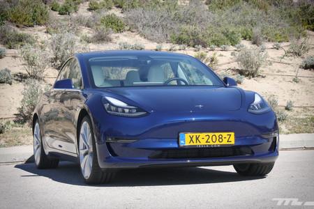 Tesla Model 3 frontal