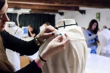 Cumple tu sueño y estudia moda: estas son las mejores escuelas y cursos