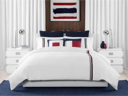 Tommy Hilfiger lleva su inspiración náutica hasta nuestra cama con su nueva colección para el hogar