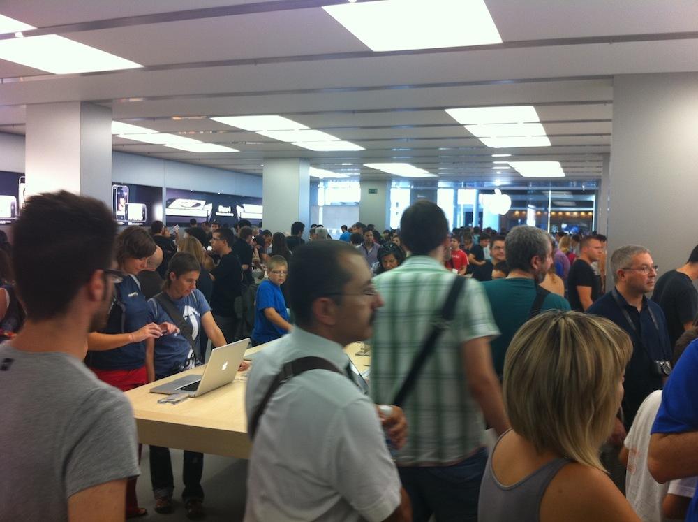 Foto de Inauguración Apple Store La Maquinista (80/93)