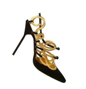 Manolo Blahnik, la inspiración de los zapatos Primavera-Verano 2010 (y III)