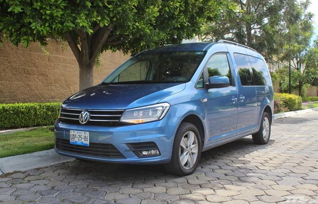Probamos el Volkswagen Caddy y no es la simple camioneta de carga con asientos que te imaginas