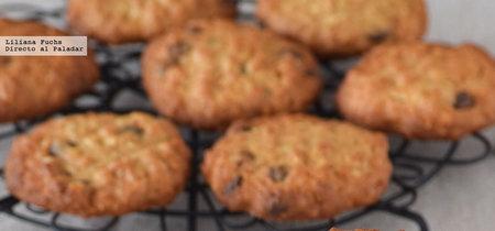 Galletas de espelta y avena con almendras y chips de chocolate. Receta