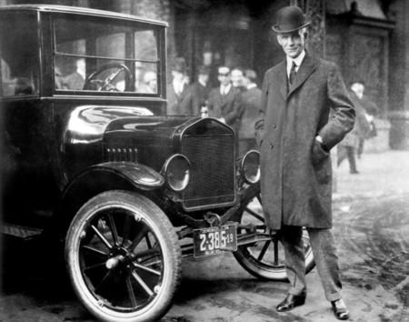 Henry Ford con un Model T