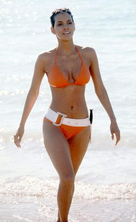 Halle Berry en James Bond, Muere otro día