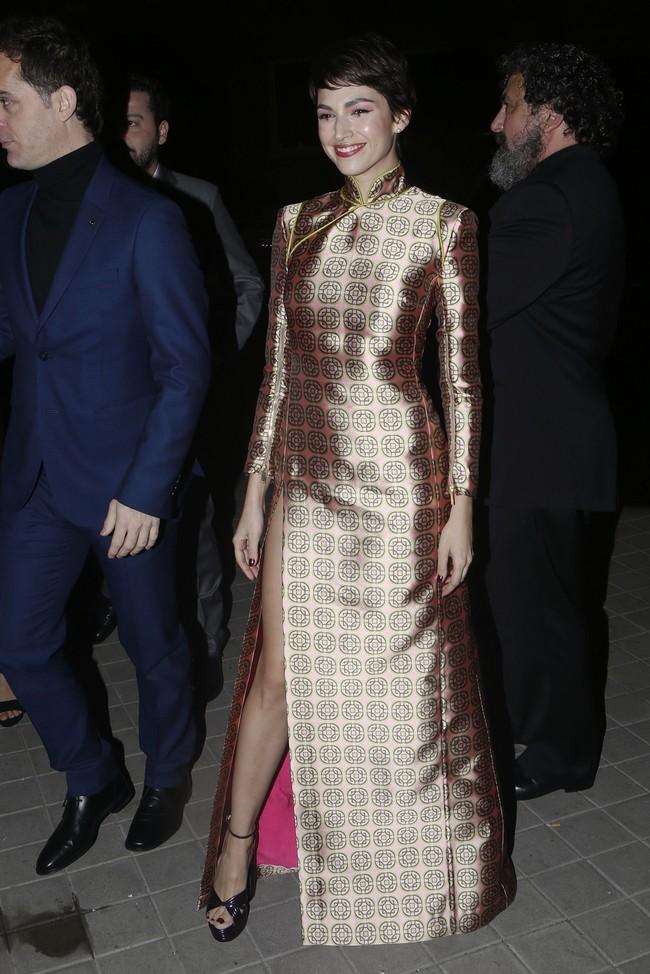 premios feroz alfombra roja look estilismo outfit Ursula Corbero