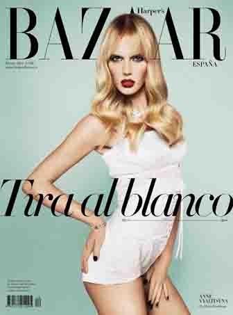 La portada de Harper's Bazaar España de marzo apuesta por los labios rojos