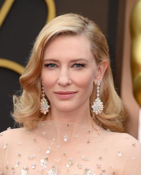 Cate Blanchett se inspira en las divas de los años 50 para lucir un peinado de Oscar