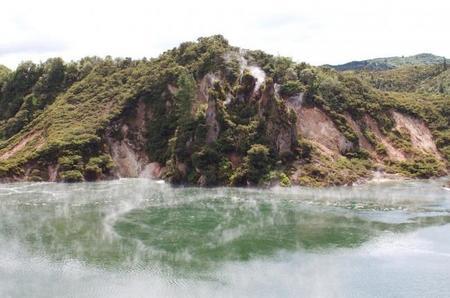 Frying Pan, el lago hirviente más grande del mundo