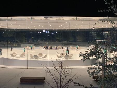 Estas sillas de más 4.000 dólares estrenan nueva imagen en el Steve Jobs Theater a pocas horas de la keynote