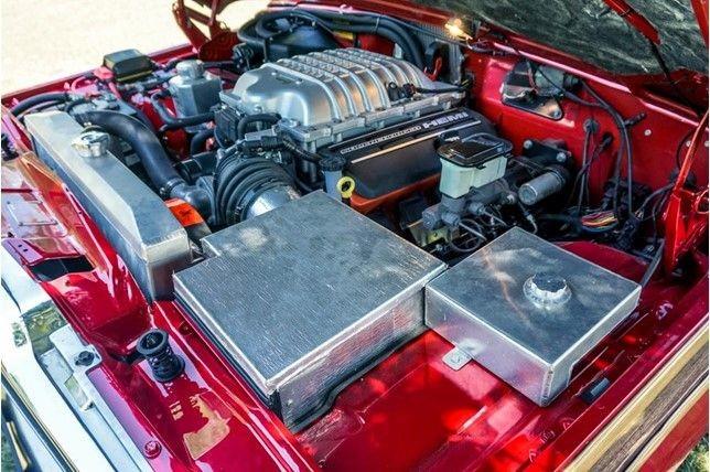 Foto de Jeep Wagoneer con motor Hellcat (7/13)