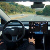 Los Tesla no reconocen vehículos de emergencia: EUA identificó 11 accidentes donde el Autopilot estaba activo