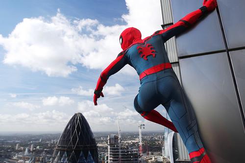 Steelbook de 'Spider-Man: Homecoming', serie completa de 'Física o química' y Funko de Superman: Cazando Gangas