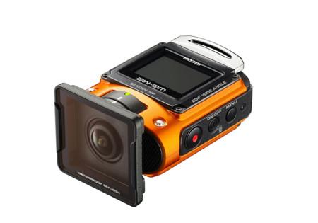 Ricoh anuncia una cámara de acción con grabación en 4K, la Ricoh WG-M2 y una edición limitada de la Pentax K-3 II, Silver Edition
