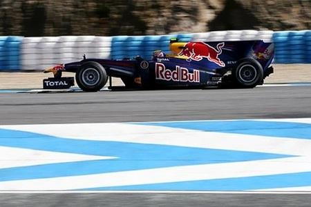 Mark Webber y Red Bull se desmelenan con los rayos de sol al tercer día en Jerez