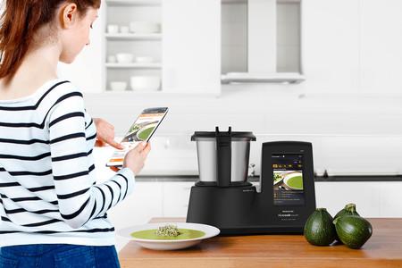 Recetas guiadas, cocina por inducción, peso…  El Mycook Touch Black Edition tiene de todo (y a un precio súper rebajado)